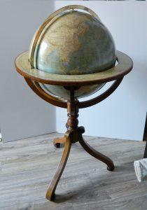 globe-de-parquet-vernis-apres_atelier-restauration-papier