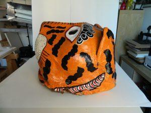 masque-rituel-peinture-ecailles-facegauche-apres_atelier-restauration-papier